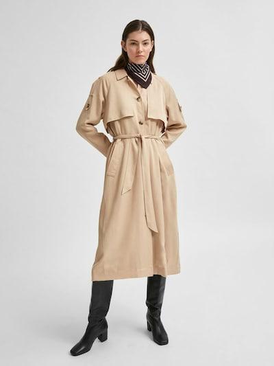 SELECTED FEMME Mantel in beige, Modelansicht