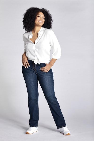 Ulla Popken Jeans in de kleur Blauw denim, Modelweergave