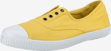 VICTORIA Slip-Ons in Yellow