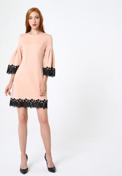 Madam-T Kleid  'Dega' in orange / schwarz, Modelansicht
