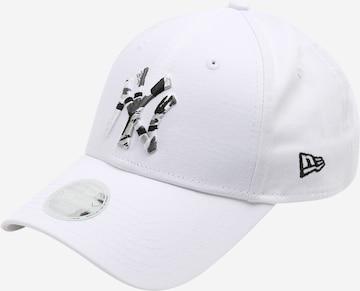 NEW ERA Cap in White