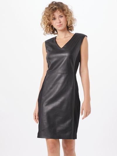 COMMA Pouzdrové šaty - černá, Model/ka
