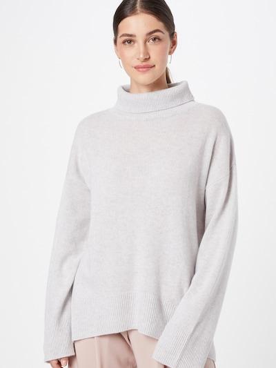 Pure Cashmere NYC Pull-over oversize en gris clair, Vue avec modèle