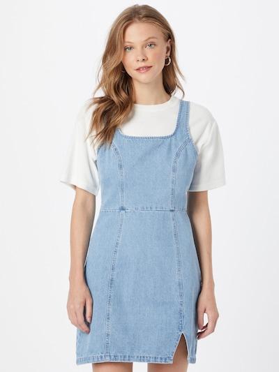 Missguided Kleid in hellblau, Modelansicht