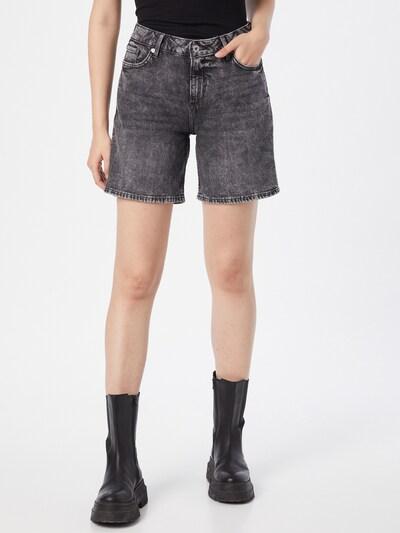 Q/S designed by Shorts in grey denim, Modelansicht