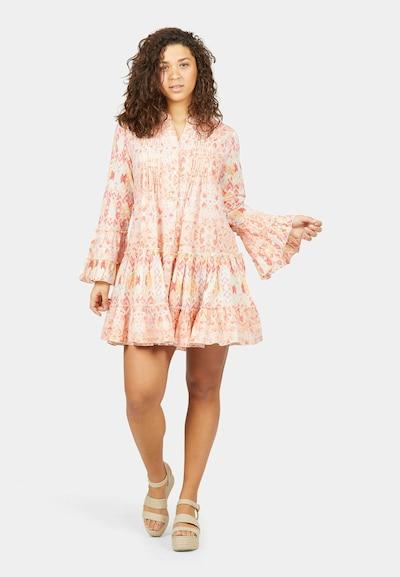 Isla Ibiza Bonita Kleid mit Gürtel in orange, Modelansicht