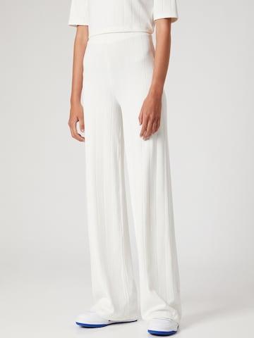 Pantaloni 'Frida' di ABOUT YOU x MOGLI in bianco