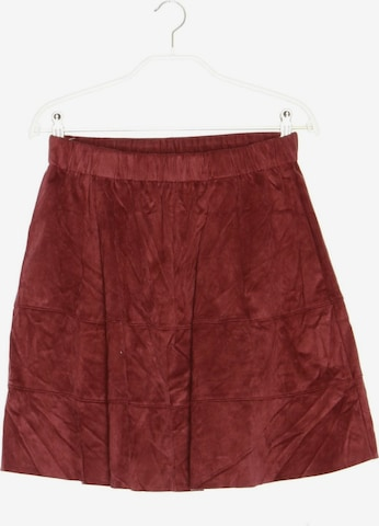 Noisy may Skirt in M in Red
