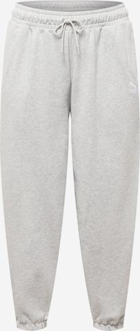 Pantalon PUMA en gris