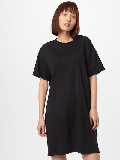 fekete PIECES Nyári ruhák 'RIA', Modell nézet