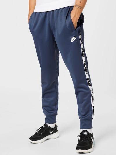 Pantaloni Nike Sportswear pe albastru închis / alb, Vizualizare model