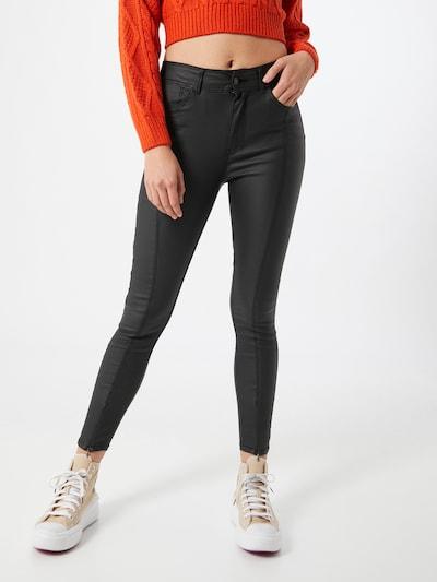 PIECES Hlače 'Roxy' | črna barva, Prikaz modela