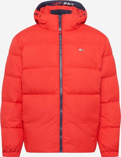 Geacă de iarnă Tommy Jeans pe roșu, Vizualizare produs