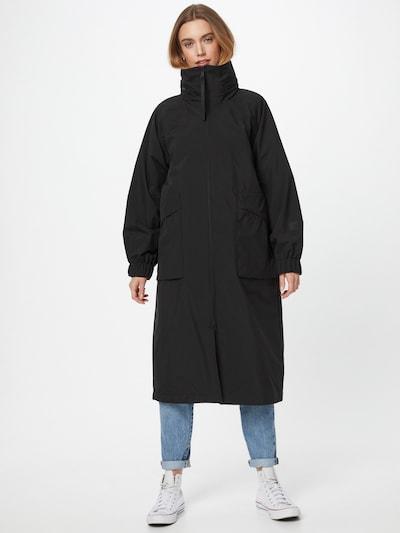 elvine Mantel 'Hestea' in schwarz, Modelansicht