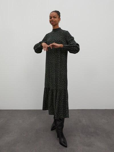 EDITED Kleid'Trish' in dunkelgrün / schwarz, Modelansicht