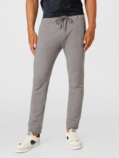 Pantaloni UNITED COLORS OF BENETTON pe gri, Vizualizare model