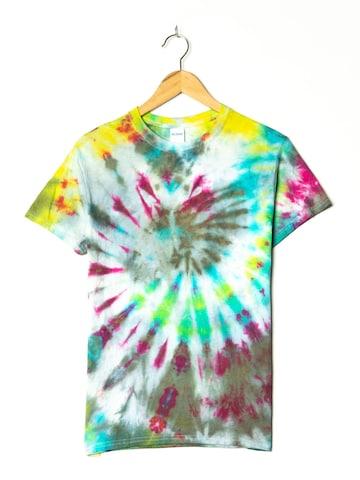 Gildan Top & Shirt in S-M in Mixed colors