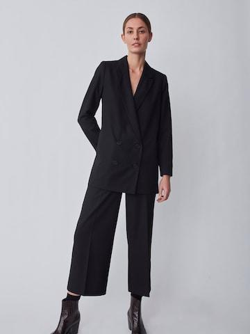 Pantaloni con piega frontale 'Watson' di JUST FEMALE in nero