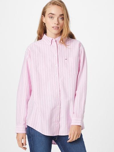 Tommy Jeans Μπλούζα σε ρόδινο / λευκό, Άποψη μοντέλου