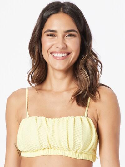 Bikinio viršutinė dalis iš Cotton On Body, spalva – šviesiai geltona, Modelio vaizdas