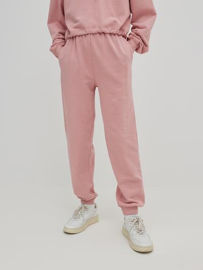 EDITED Püksid 'Riley' rosé, Modellivaade