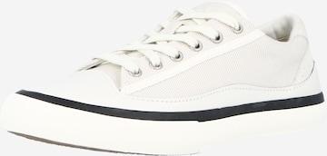CLARKS Σνίκερ χαμηλό 'Aceley Lace' σε λευκό