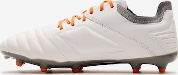 Chaussure de foot 'Tocco Premier FG ' UMBRO en blanc