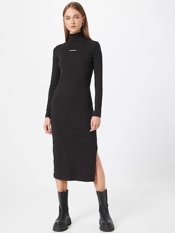 Calvin Klein Jeans Mekko värissä musta