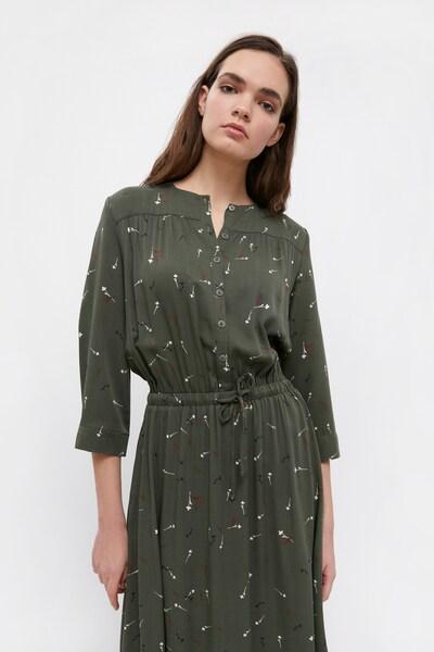 Finn Flare Maxi-Kleid in dunkelgrün, Modelansicht