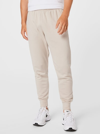 Nike Sportswear Hose in creme / weiß, Modelansicht