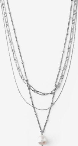 OreliaLančić - srebro boja