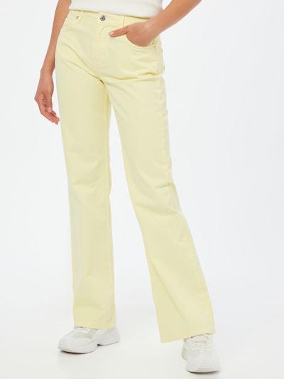 Blanche Jeans i ljusgul, På modell