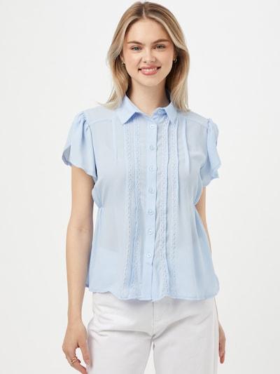 Trendyol Bluse in hellblau, Modelansicht