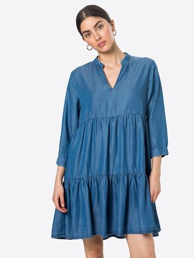 Rich & Royal Robe en bleu denim, Vue avec modèle