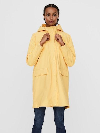 VERO MODA Manteau mi-saison en jaune clair, Vue avec modèle