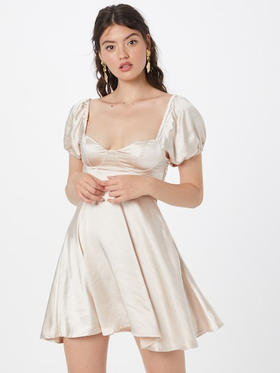 Rochie 'PROMENADE' Love Triangle pe șampanie, Vizualizare model