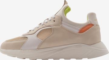 Sneaker low 'LARCH' de la EKN Footwear pe bej