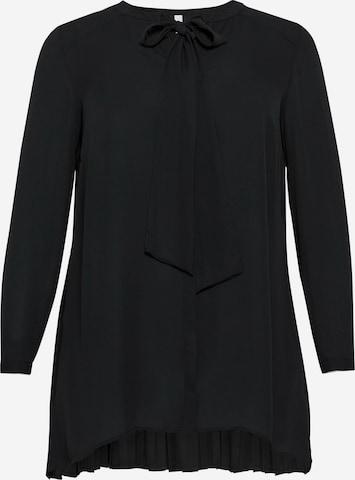 Tunica de la SHEEGO pe negru