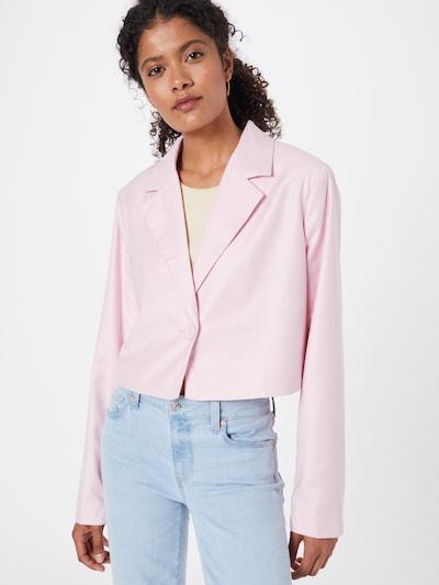 Gina Tricot Blazer 'Julie' en rosa, Vista del modelo