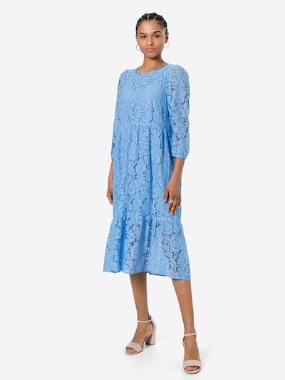 Noa Noa Kleid in blau, Modelansicht