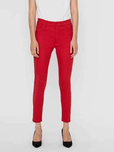 VERO MODA Jeans in de kleur Cranberry, Modelweergave
