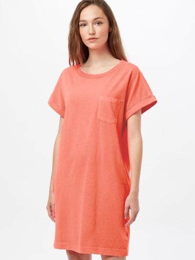 GAP Kleid in koralle, Modelansicht