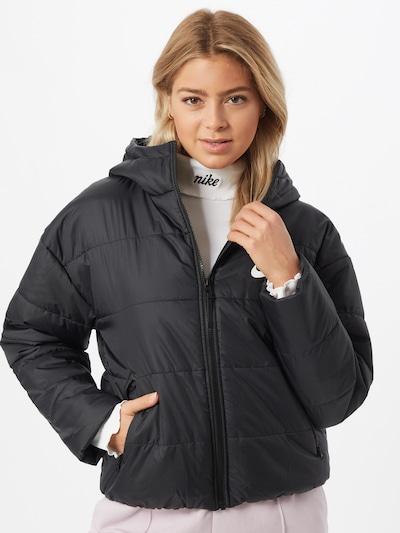 Nike Sportswear Veste d'hiver en noir / blanc, Vue avec modèle