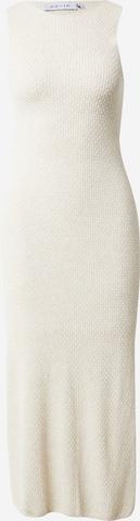 Rochie tricotat de la NU-IN pe alb