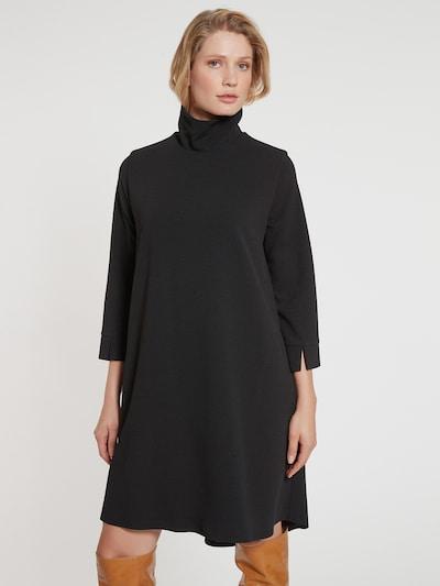 Ana Alcazar Oversized jurk 'Elmara' in de kleur Zwart, Modelweergave