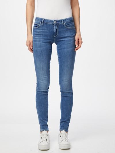 GUESS Jeans 'CURVE X' in blue denim, Modelansicht