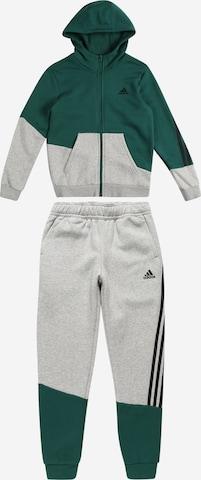 Costum de trening de la ADIDAS PERFORMANCE pe verde
