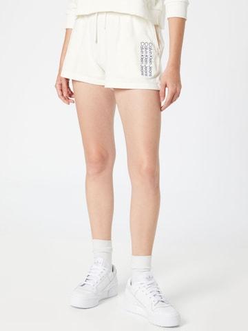 Calvin Klein Jeans Short '90's' in Beige