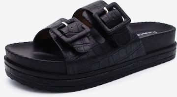 Kamoa Beach & Pool Shoes in Black