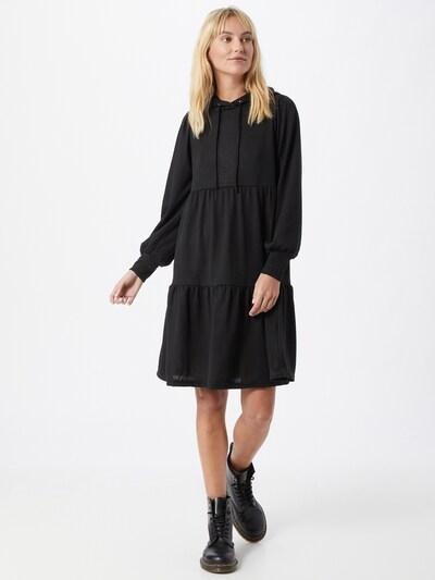 Rochie 'EMMA' ONLY pe negru, Vizualizare model